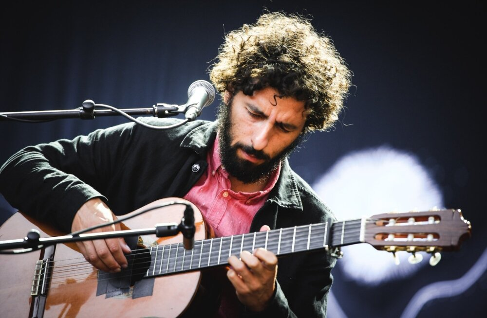 Gonzáleze soolomuusikat iseloomustavad mõtlikud, kuid pingevabad meloodiad ja minimalistlik stiil.