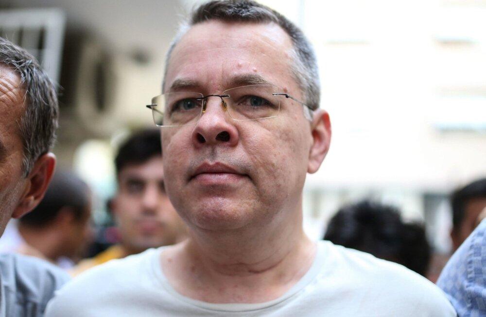 USA kehtestas Ameerika pastori kinnihoidmise pärast sanktsioonid kahele Türgi ministrile
