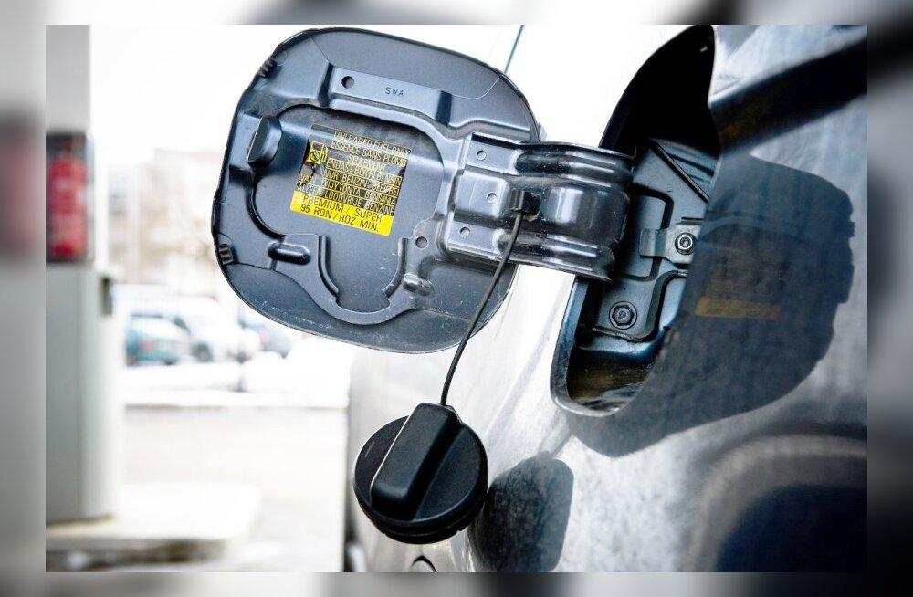 Miks ei tohi tänapäevastel autodel paaki täiesti tühjaks sõita?