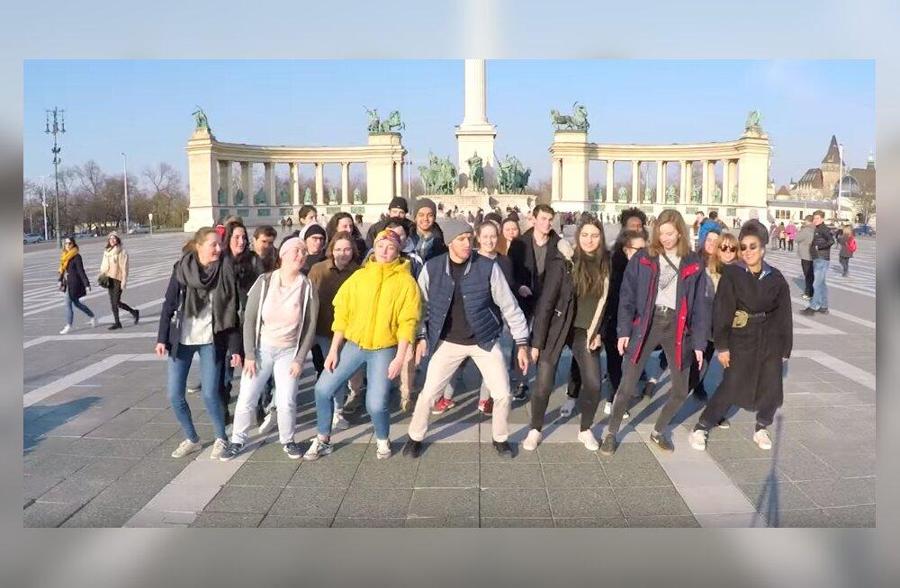 ВИДЕО: Путешественник объездил 15 стран и станцевал с 1000 человек. Теперь с ним танцует весь мир!