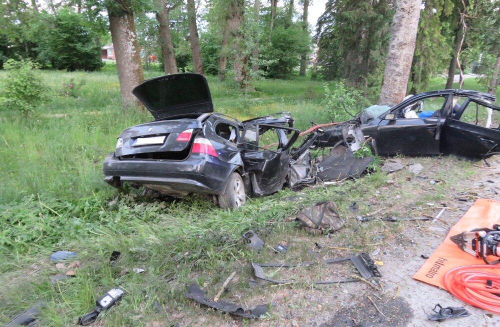 Kehtnas hukkus liiklusõnnetuses kaks noort meest