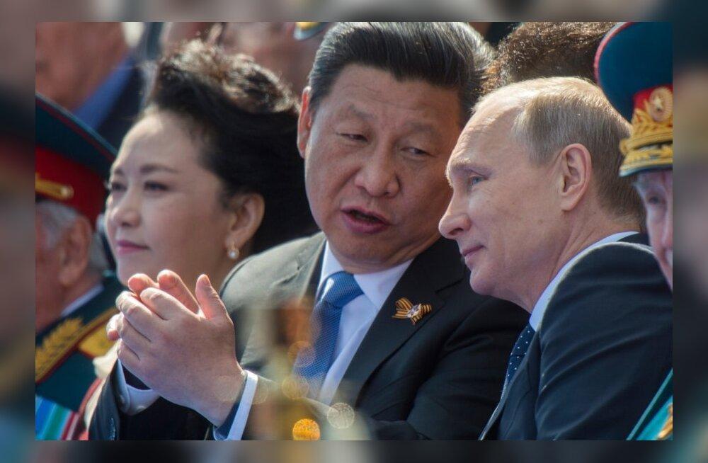 Китайские депутаты разрешили главе государства править до конца его дней