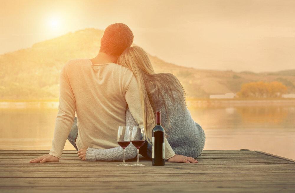 Kui vanalt peaks abielluma, et lahutamise risk oleks kõige väiksem