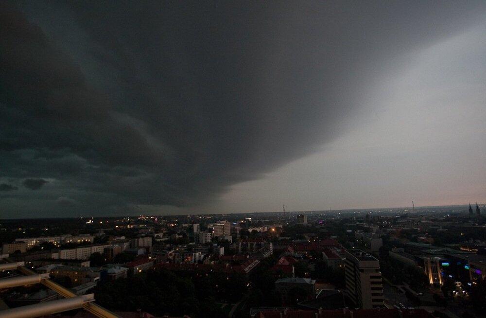 Torm Tallinna kohal aastal 2010.
