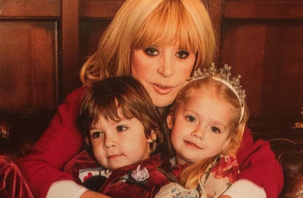 Алла Пугачева о здоровье: мне трудно дышать, но я должна жить ради детей