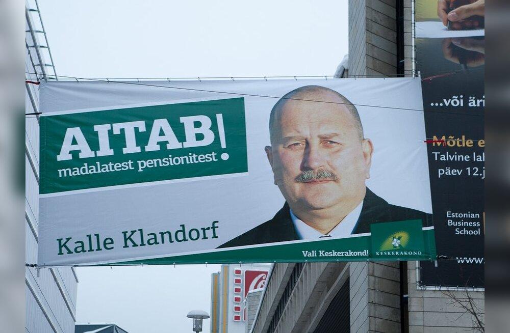 """Keskerakond tõi """"Aitab!"""" plakatid tänavatele"""