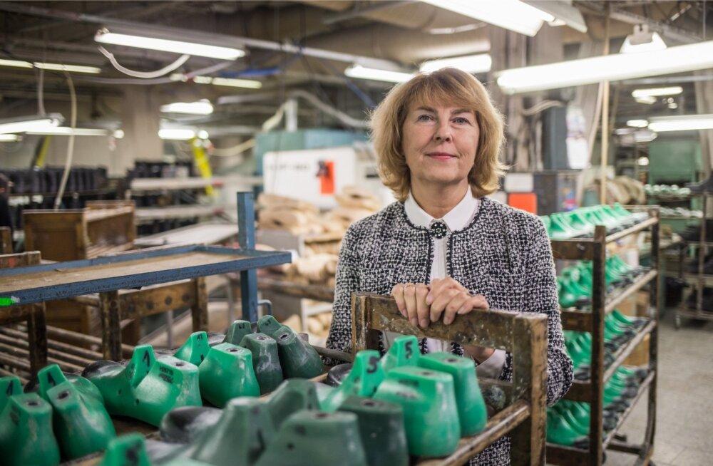Tartus asuva Samelini jalatsifirma juht Leida Kikka sõnab, et valitsuse teenet pole majanduskasvus grammigi, sest praegu majandus kasvabki igal pool Euroopas.