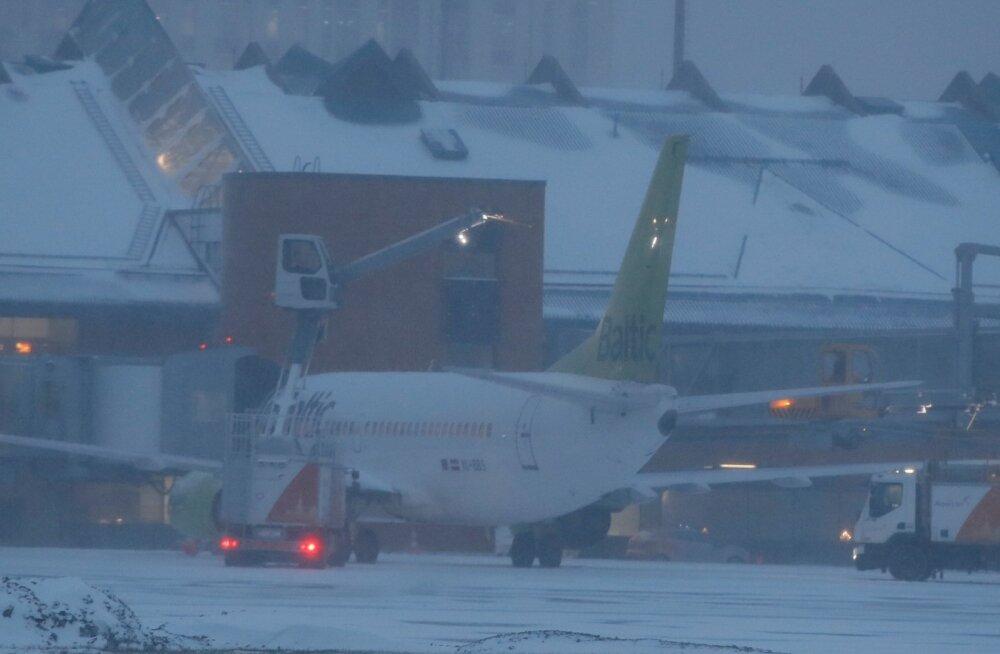 Hiljutine Eestit räsinud torm pani Tallinna lennujaama keerulisse olukorda. Mitu lendu tormi tõttu ära jäi?
