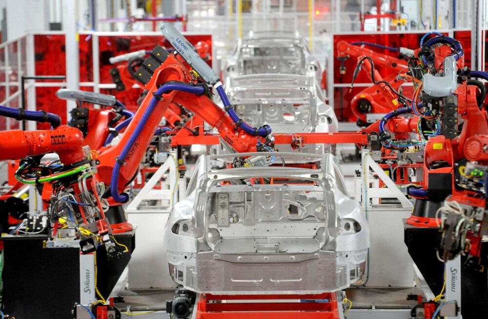 Tesla juht võttis ette drastilise sammu massautotootjaks saamisel