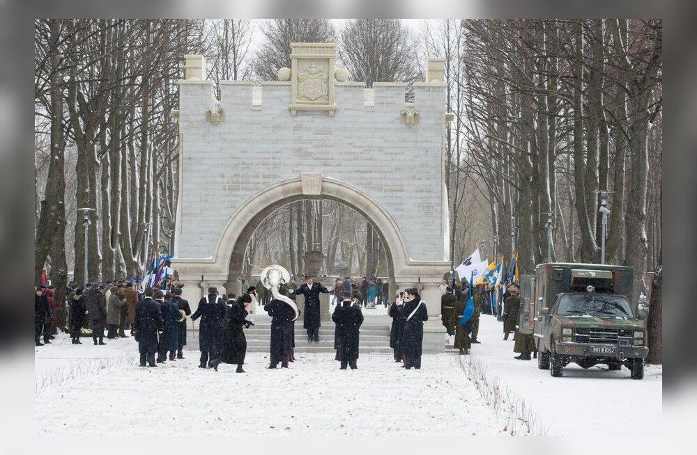DELFI VIDEO ja FOTOD: Kaitseväe kalmistul avati mälestusehis Vabadussõjas langenutele