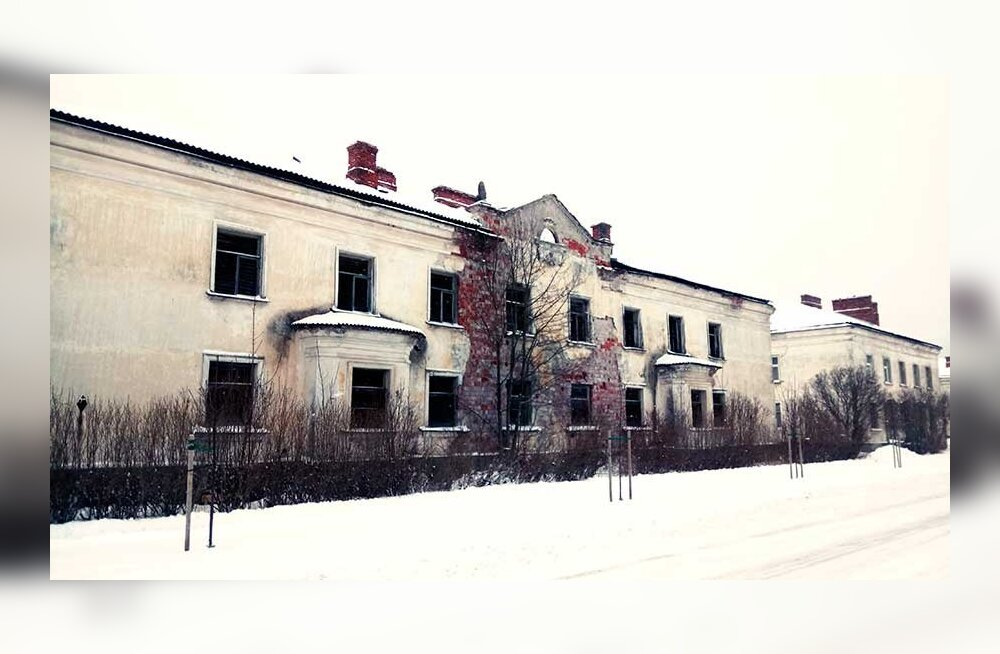 Некогда процветавший поселок Азери сегодня живет среди развалин из прошлого и похож на умирающего