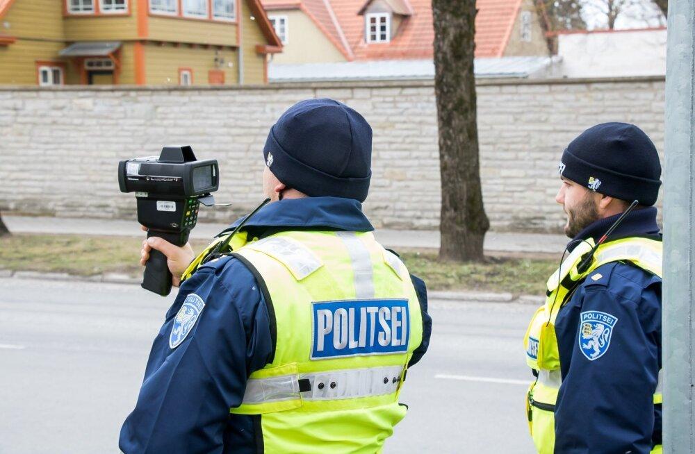 Saare politseinikest on veerand pensionieelikud
