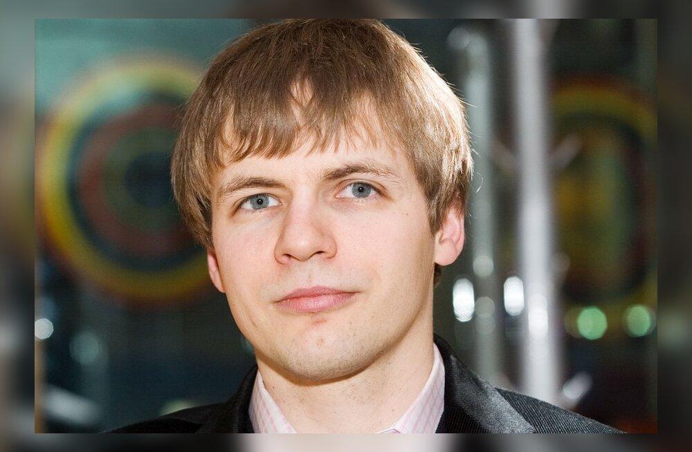 Viljar Veebel: Kuna võim läheb Euroopasse, ei jäägi Eesti poliitikutel üle muud, kui meedias kraagelda