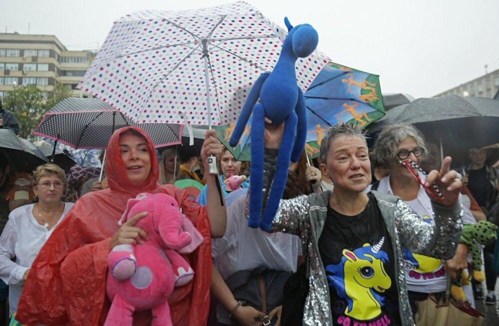 Moskvas toimus emade marss, kus nõuti kahe vangistatud tüdruku vabastamist