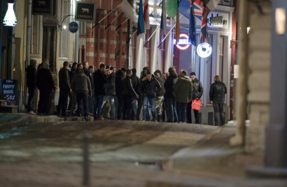 Eesti Odini sõdalased kogunesid Tallinna vanalinnas esimesele koosolekule. Kohale tuli ligi 60 meest, enamik täitis kohapeal ka liitumisavalduse.