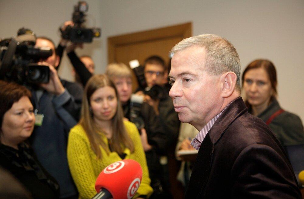 Oligarh Aivars Lembergs oli 2010. aastal roheliste ja farmerite peaministrikandidaat. Korruptsioonis süüdistati teda juba 2007. aastal.