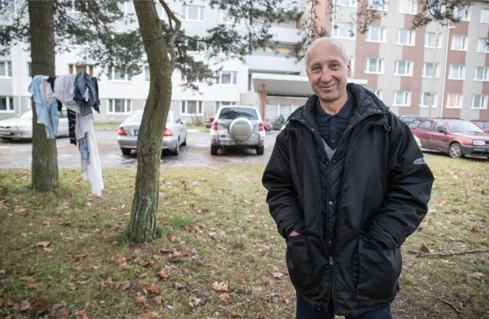 Akadeemia tee 34 sotsiaalmajutusüksuse elanikud joovad, suitsetavad ja rikuvad korda, aga töötajatelt abi ei saa, ütleb Igor Toršin.