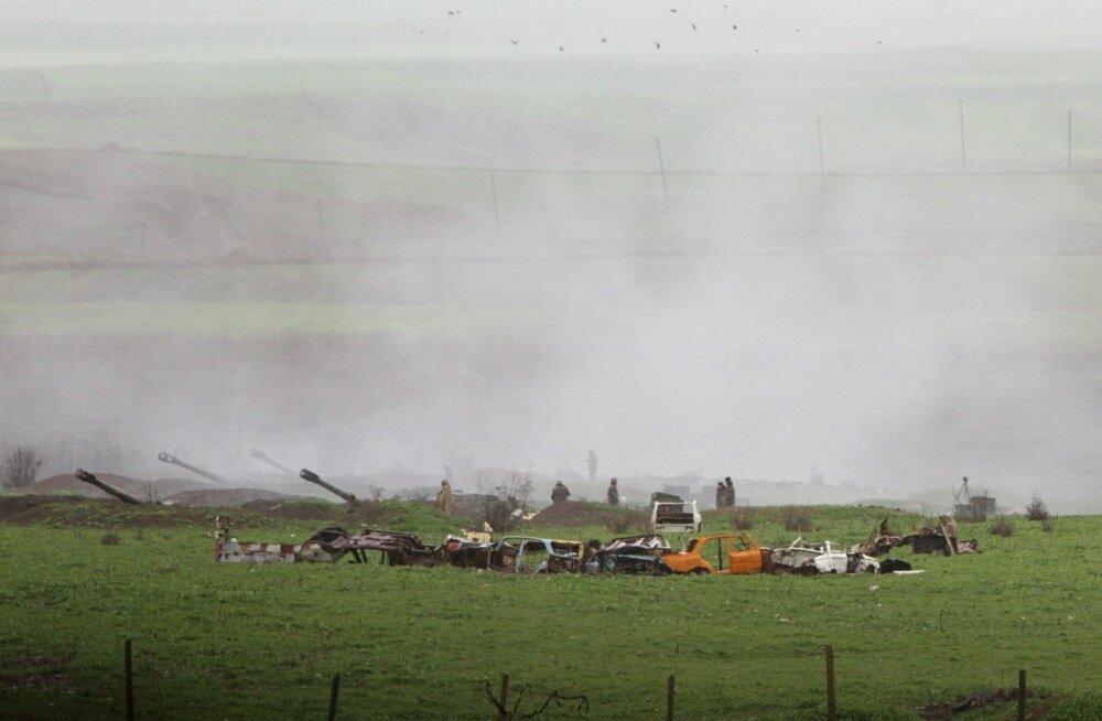 Armeenia väed Mägi-Karabahhis Martakerti linnas. Nädalavahetusel toimusid rasked sõjalised kokkupõrked, milles hukkunuid ja vigastatuid oli nii Armeenia kui ka Aserbaidžaani poolel. Kellele süttinud konflikt kasulik on ja miks see just nüüd eskaleerus, ei