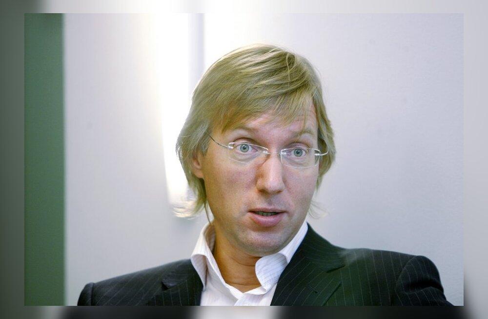 Suri Haapsalu endine linnapea Teet Kallasvee