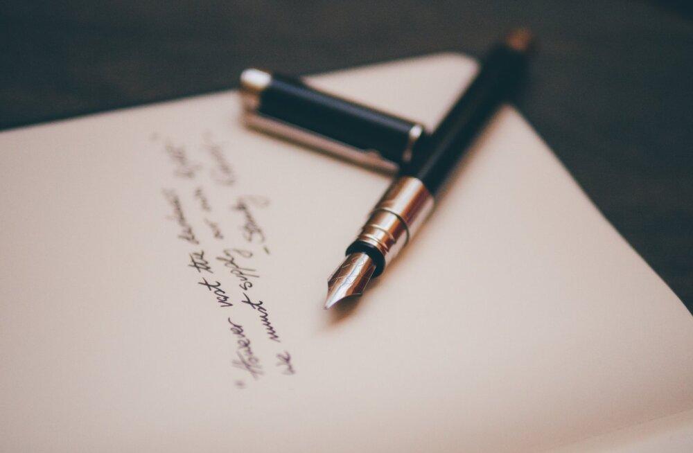 Tähtajaline elu: nädalavahetuse jooksul ei saanud ma sõpradelt ühtegi kirja. Ehmatusega taipasin, et tegelikult ei ootagi ma nii väga uudiseid Eestist