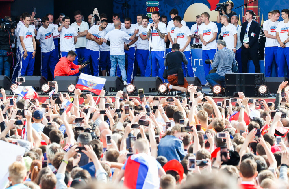 ВИДЕО: Сборную России встретили в Москве овациями