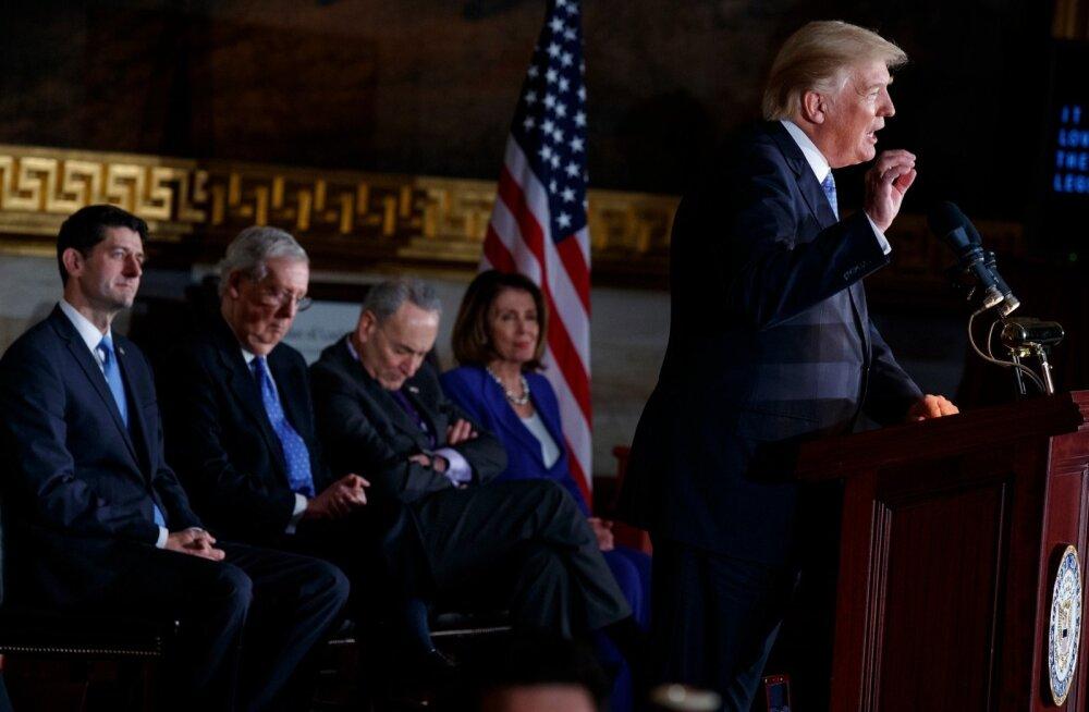 Vabariiklaste juhid (vasakult) Paul Ryan ja Mitch McConnell pole seni demokraatide juhtide Chuck Schumeri ja Nancy Pelosiga üksmeelt leidnud