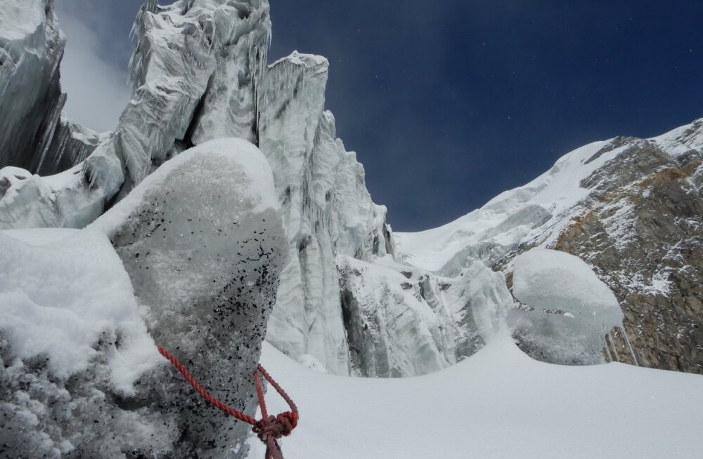 """EESTI ALPINISTID MÄGEDES: """"Meie plaan kahandab mäetippu jõudmise võimalust aga teist alternatiivi pole"""""""