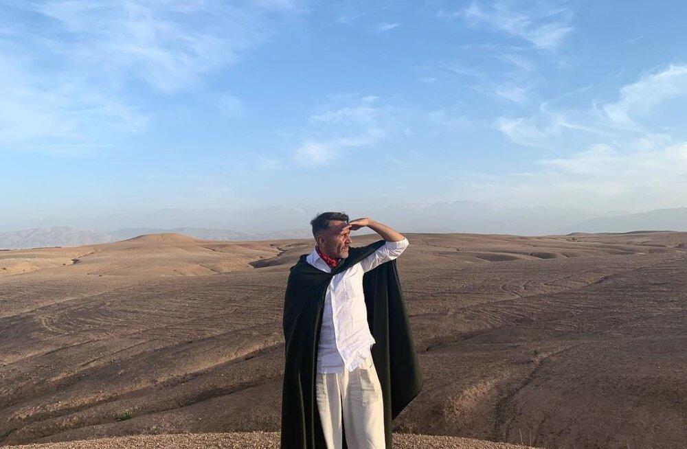 Шнуров выложил фото из пустыни и восхвалил Аллаха