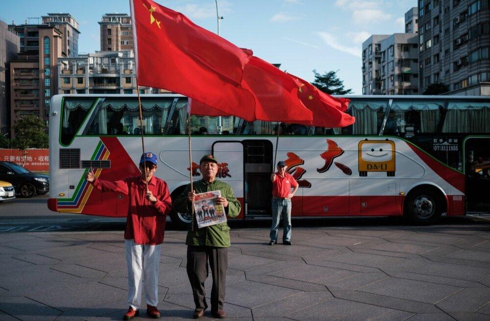 Möödunud nädalal seadsid end Taipei ühe kuulsama vaatamisväärsuse, veel hiljuti maailma kõrgeima hoone tiitlit kandnud Taipei 101 juurde sisse Hiina lipuga isikud, keda Taiwani võimud kahtlustavad provokatsioonikatses.