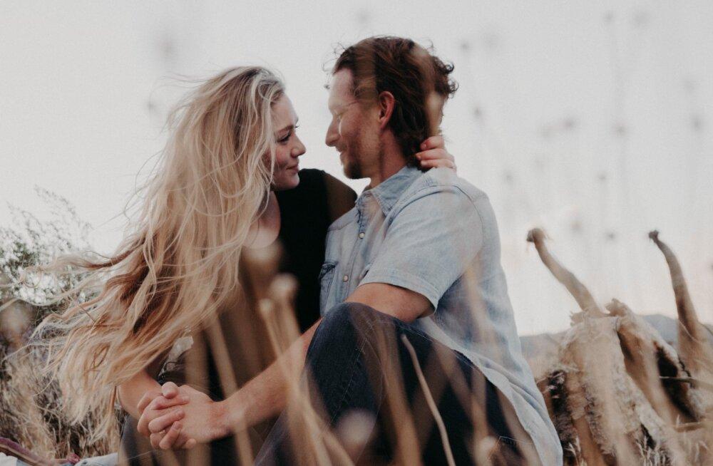 Võrgutuslõhnad: kas parfüüm võib mehe ennastunustavalt sinu ümber tiirlema panna?