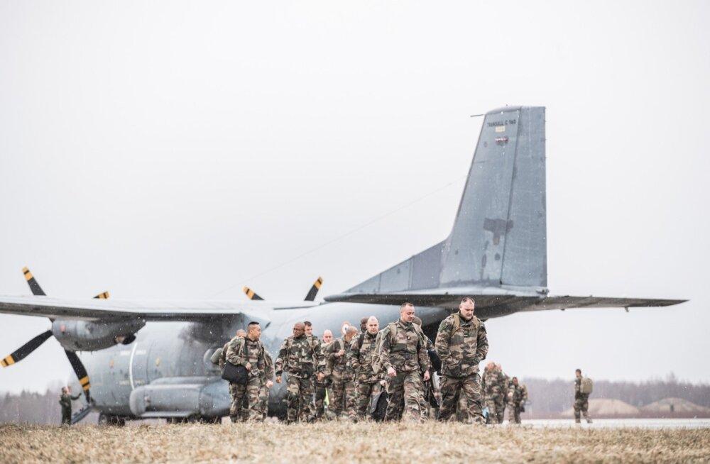 Prantsuse sõdurid saabuvad Ämarisse