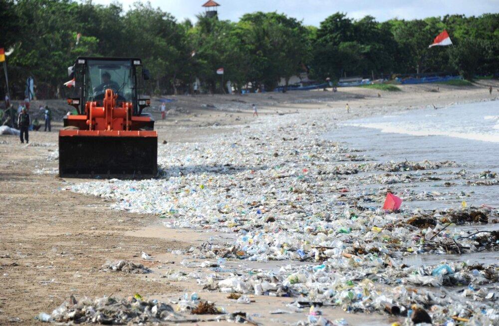 Bali saare randades kuulutati prügiuputuse tõttu välja hädaolukord