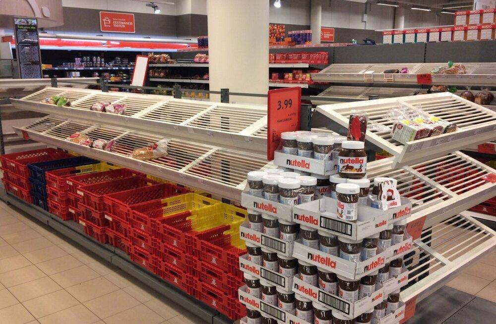 ФОТО: После праздников в Selver невозможно было купить даже хлеба