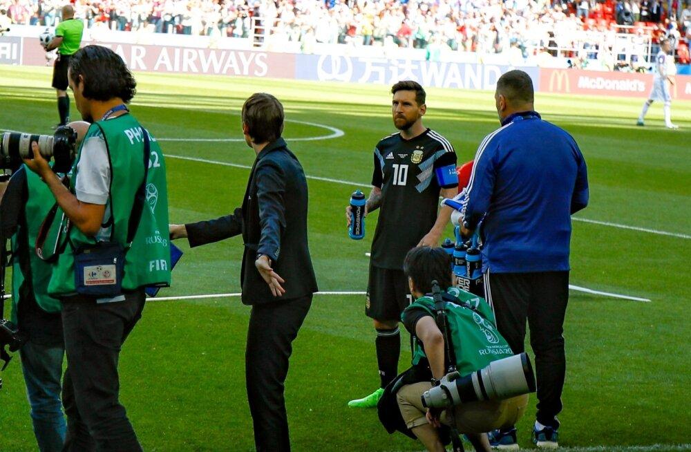 Lionel Messi MM algas suure pettumuse ja kriitikalainega.