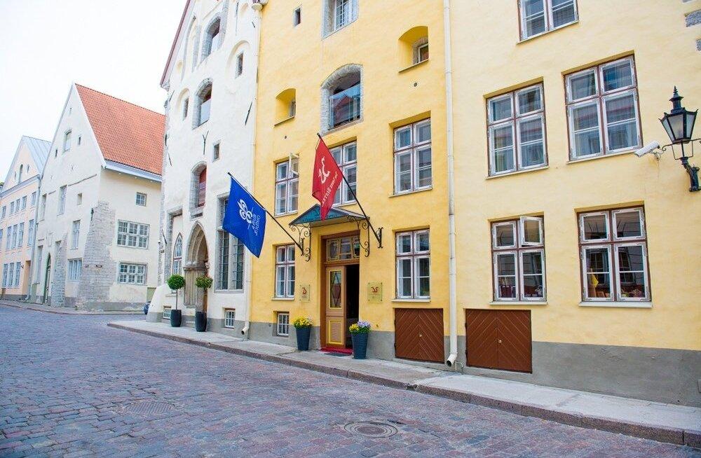 Kolm õde hotell enne kirilli saabumist