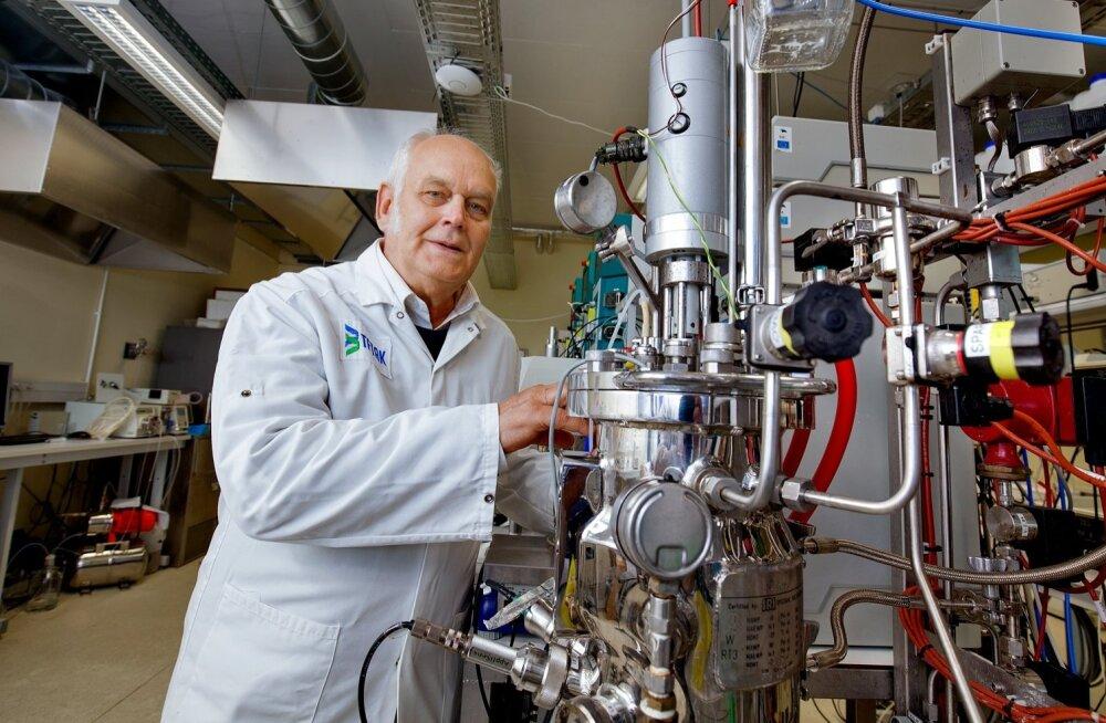 Raivo Vilu pälvis DuPonti medali laboris loodud uue piimhappebakteri eest.