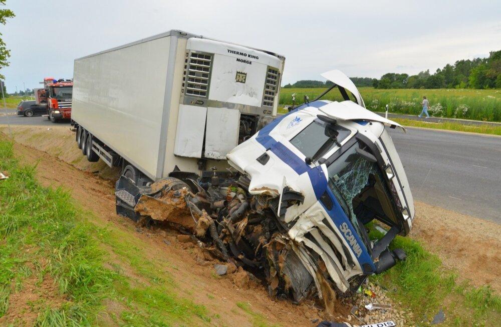 ViljandimaaL Viiratsi lähistel toimus raske avarii