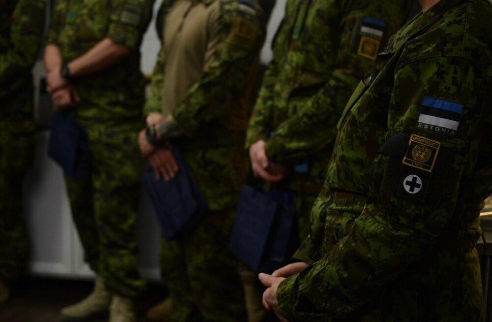Välisminister Sven Mikser tähistas koos Liibanonis teenivate kaitseväelastega Eesti 100. sünnipäeva