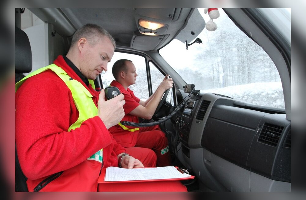 Transporditöötajad toetavad kiirabiautojuhtide streiki