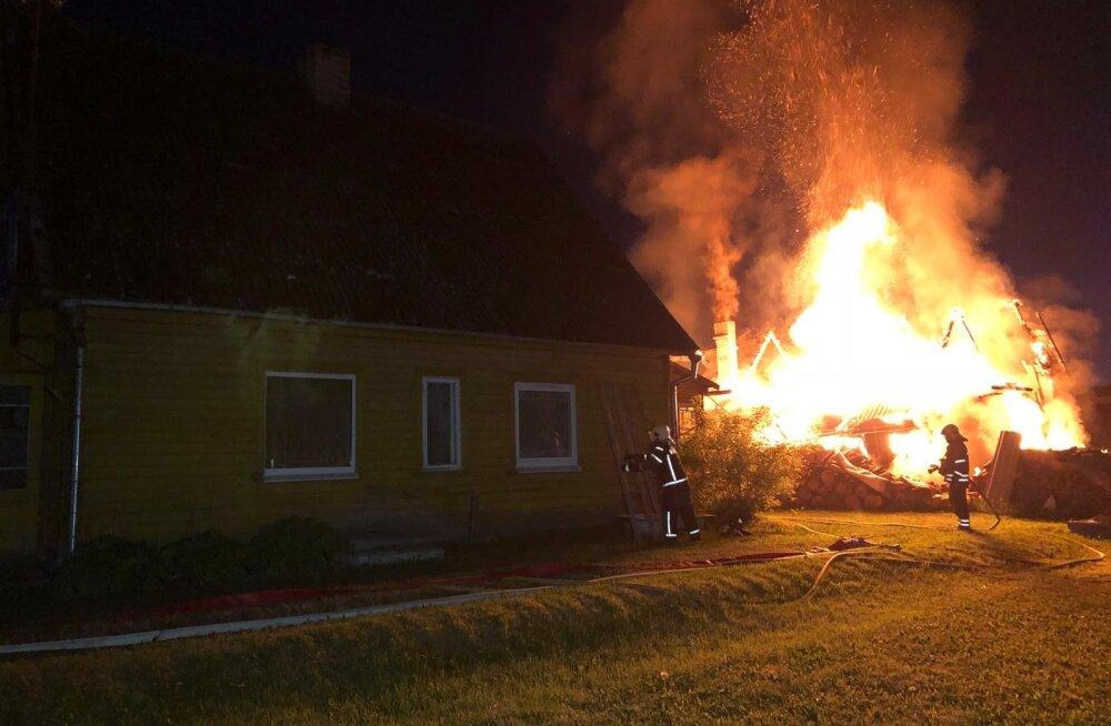 Tulekahju Paides, naine ja kass jäid ellu