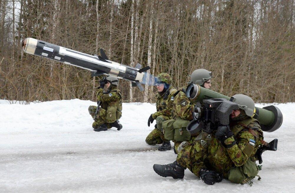 Kaitsevägi hakkab lappima auke laskemoonavarudes
