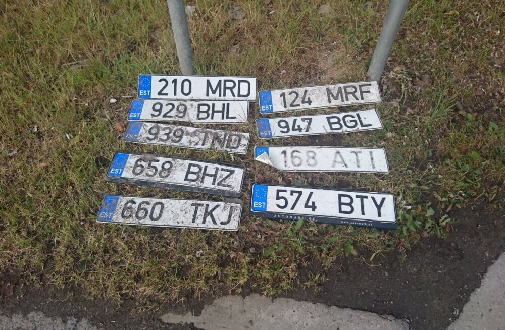 ФОТО: Водители, заберите ваши номерные знаки!