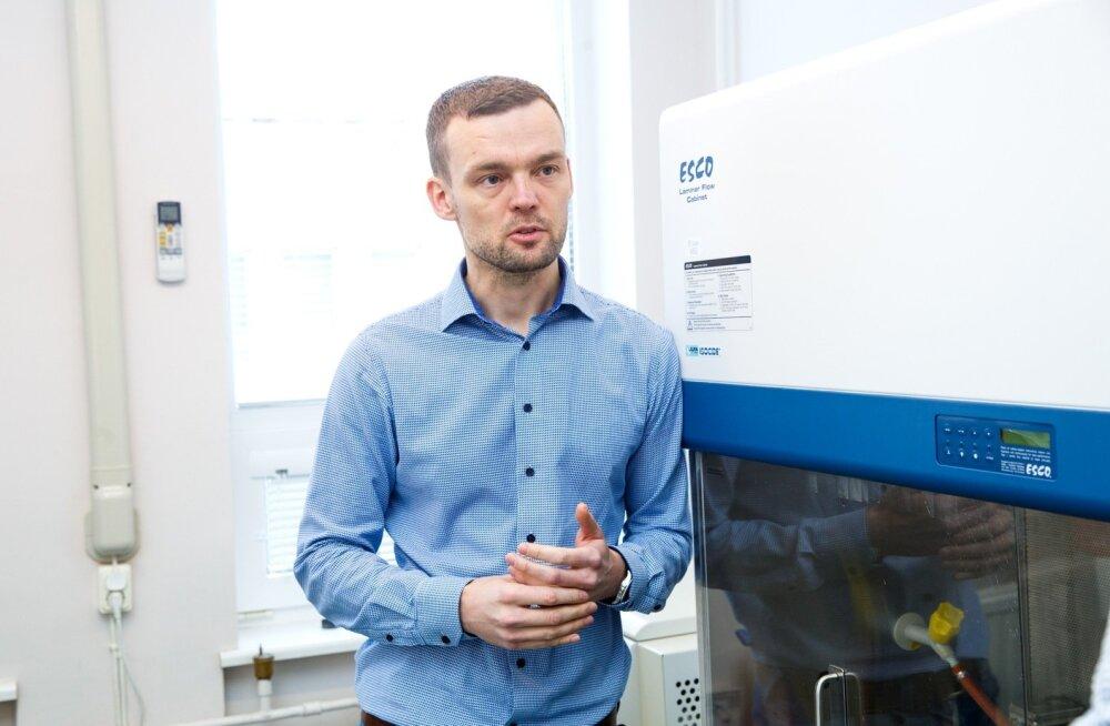 Andre Koit kaitses äsja doktoritööd, mis võib viia selleni, et tulevikus on arstidel rohkem infot, mille järgi vähihaigete puhul täpsemaid raviotsuseid teha.
