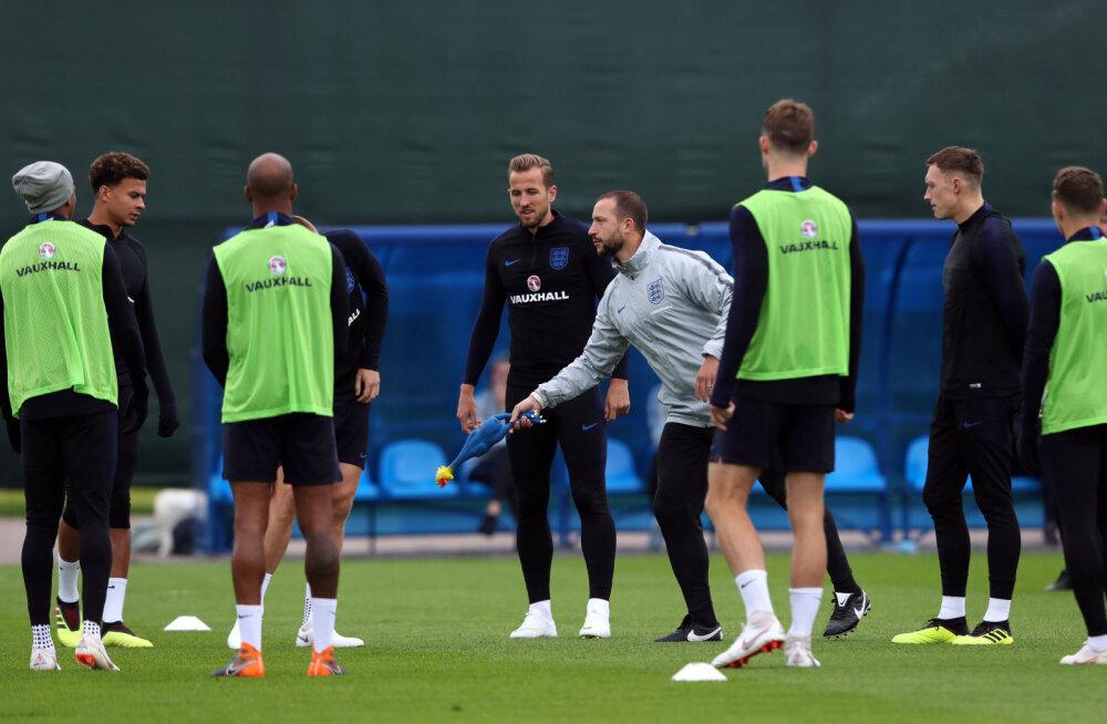 Inglismaa ja Uruguay koondis said FIFA-lt kopsakad trahvid