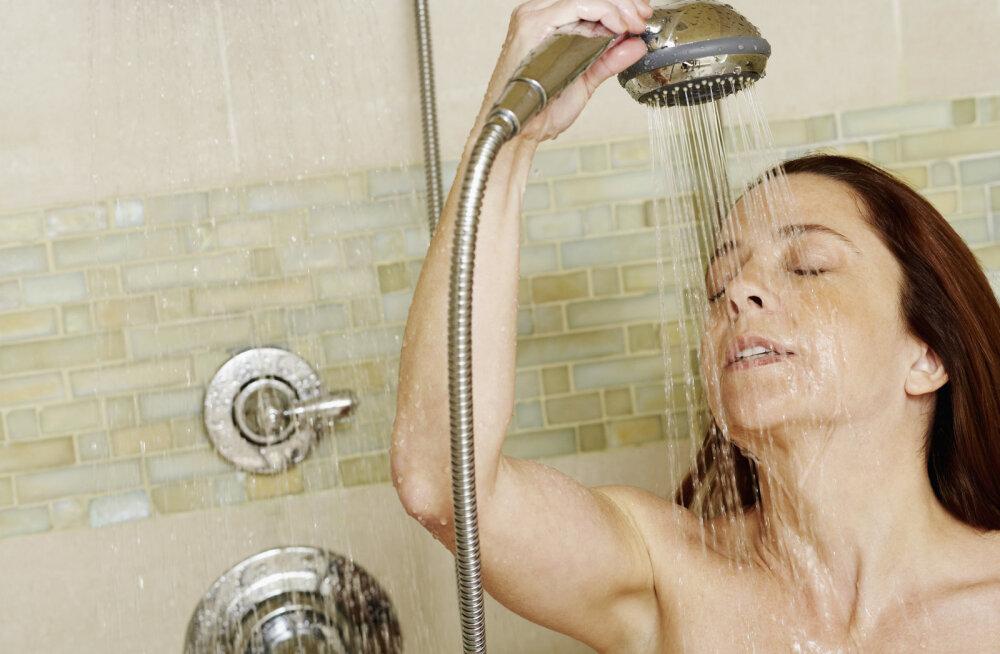 Инфекционисты попросили не принимать душ каждый день