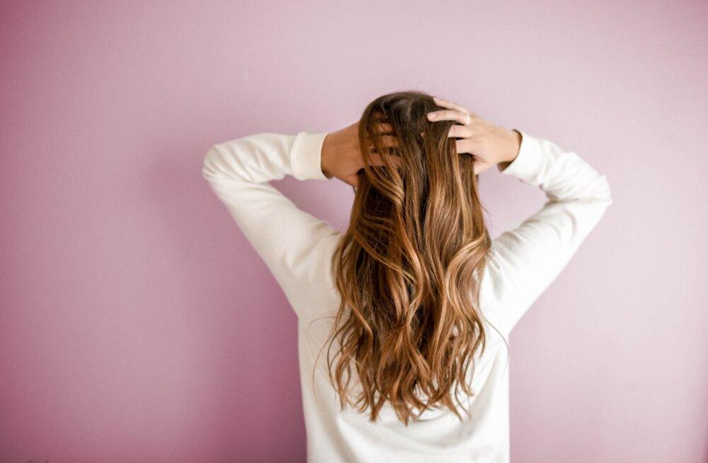 Miks ei tohiks kunagi juustesse parfüümi piserdada?