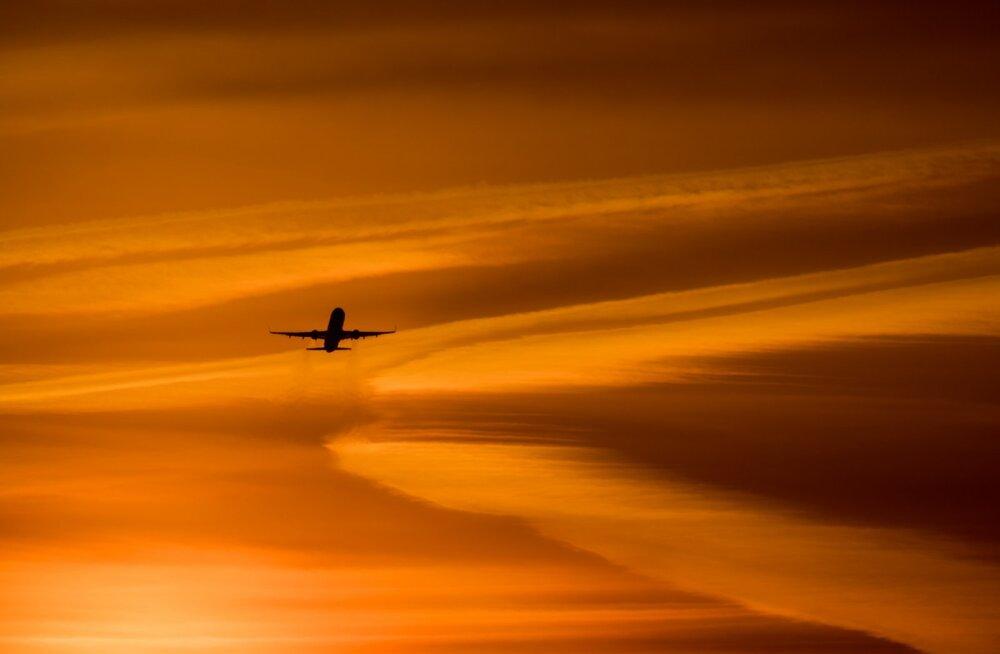 HELIKLIPP   Kahe Arizona kohal lennanud reisilennuki piloodid nägid seletamatut heledat objekti