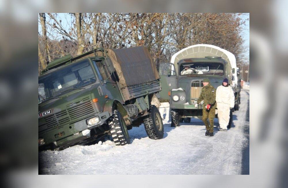 ФОТО: Машина эстонской армии попала в ДТП