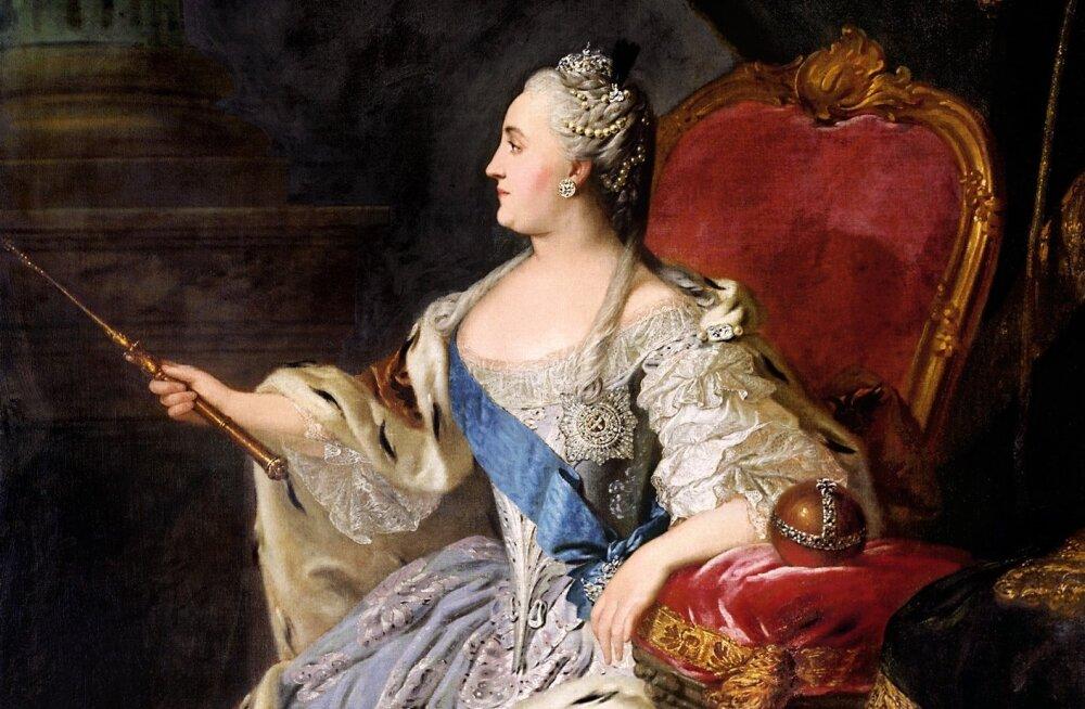 Võimu juures olevad Vene naised pole alati olnud tagurlikud. Venemaa kõige kuulsam keisrinna, Katariina II paistis silma progressiivsete vaadete poolest ning proovis Venemaad euroopalikumaks muuta.