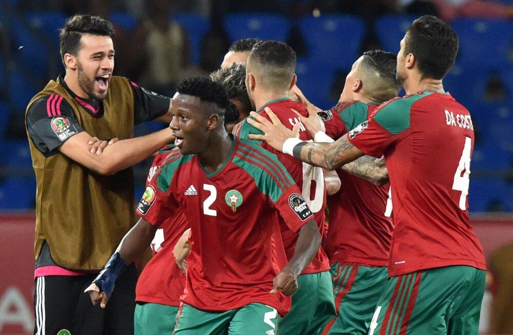 Maroko jalgpallurid juubeldavad